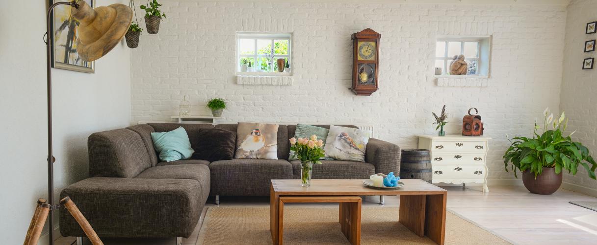 Uncluttered, minimalist living room