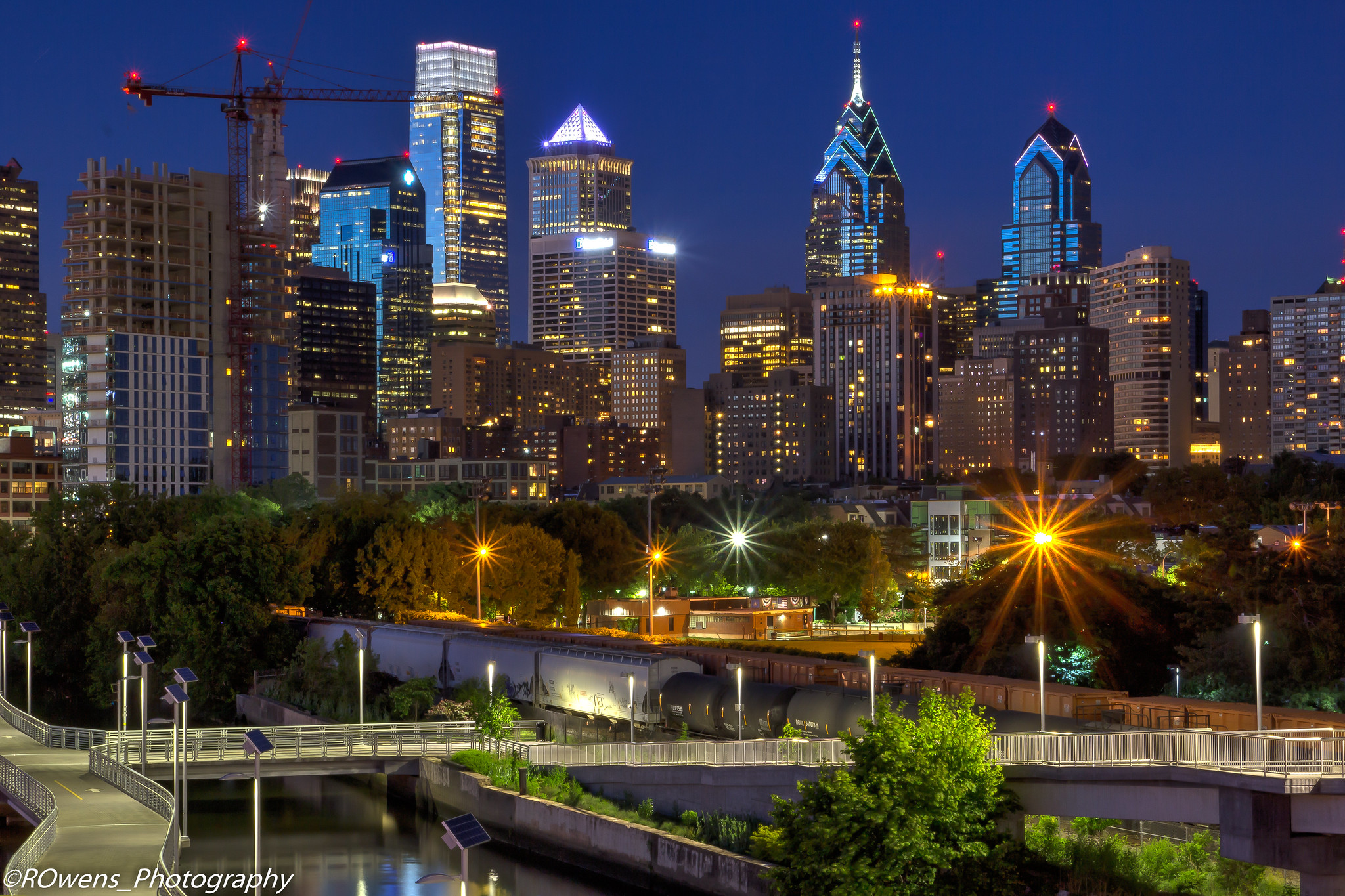 downtown skyline in Philadelphia